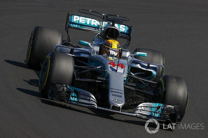 A Mercedes continua como a força a ser batida na F1 em 2017. Contudo, a mudança de regulamento chacoalhou as forças e deixou a equipe alemã com o reinado mais ameaçado que nunca.