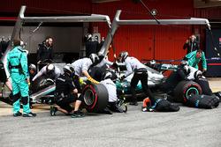 Отработка пит-стопа: Валттери Боттас, Mercedes AMG F1 W08
