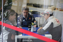 Monisha Kaltenborn, Sauber Team Principal, Esteban Gutierrez, Haas F1 Team