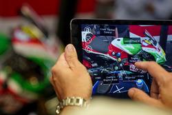 Fernbedienung für AR-Helm für Mechaniker vom Aprilia Racing Team Gresini