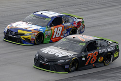 Martin Truex Jr., Furniture Row Racing Toyota, Kyle Busch, Joe Gibbs Racing Toyota