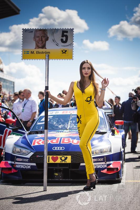 Gridgirl für Mattias Ekström, Audi Sport Team Abt Sportsline, Audi A5 DTM