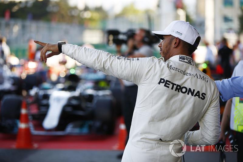 Lewis Hamilton, Mercedes AMG F1, feiert im Parc Ferme
