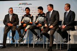 Dr. Vijay Mallya, Sahara Force India F1 Team Owner; Sergio Perez, Sahara Force India F1; Esteban Oco