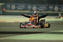 Pedro Hiltbrand, CRG, celebra su victoria en el CIK FIA World Championship