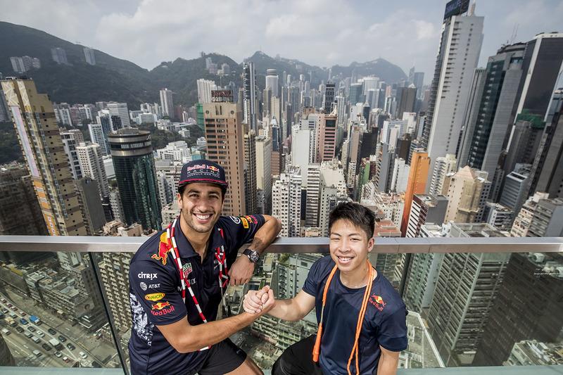 Seilspringweltmeister Timothy Ho Chu-ting; Daniel Ricciardo, Red Bull Racing