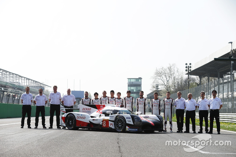 Gruppenfoto: Toyota Racing
