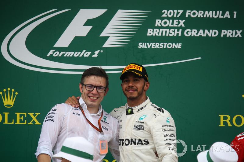 Peter Bonnington, Mercedes AMG F1 Race Engineer and Lewis Hamilton, Mercedes AMG F1 on the podium