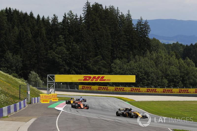 Джоліон Палмер, Renault Sport F1 Team RS17, Стоффель Вандорн, McLaren MCL32