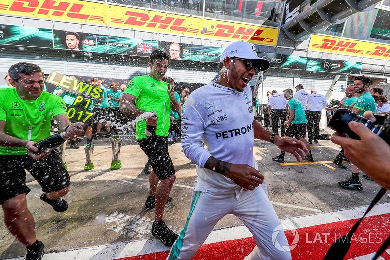 Perayaan kemenangan Lewis Hamilton