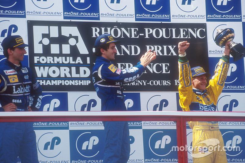 Podium: ganador, Alain Prost, Williams, segundo, Damon Hill, Williams, tercero, Michael Schumacher, Benetton