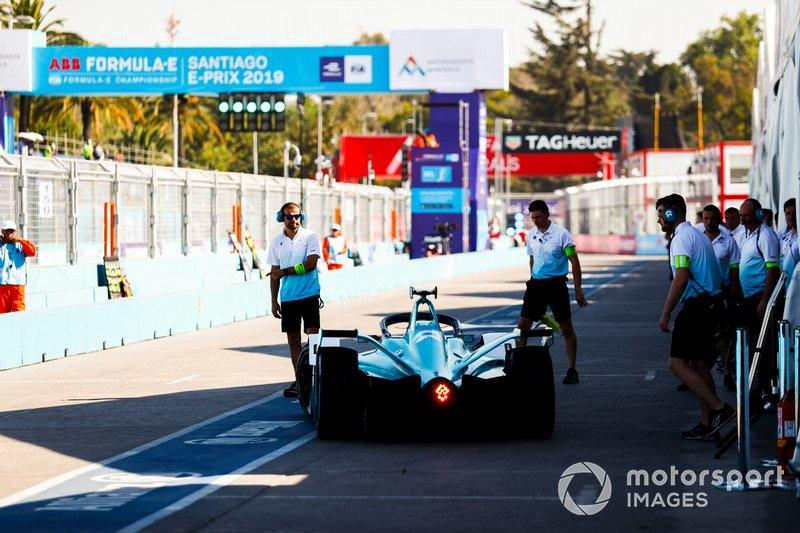 Tom Dillmann, NIO Formula E Team, NIO Sport 004 en el box