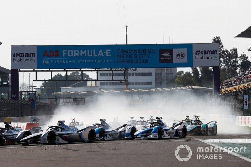 Felipe Massa, Venturi Formula E, Venturi VFE05 precede Antonio Felix da Costa, BMW I Andretti Motorsports, BMW iFE.18 e Alexander Sims BMW I Andretti Motorsports, BMW iFE.18
