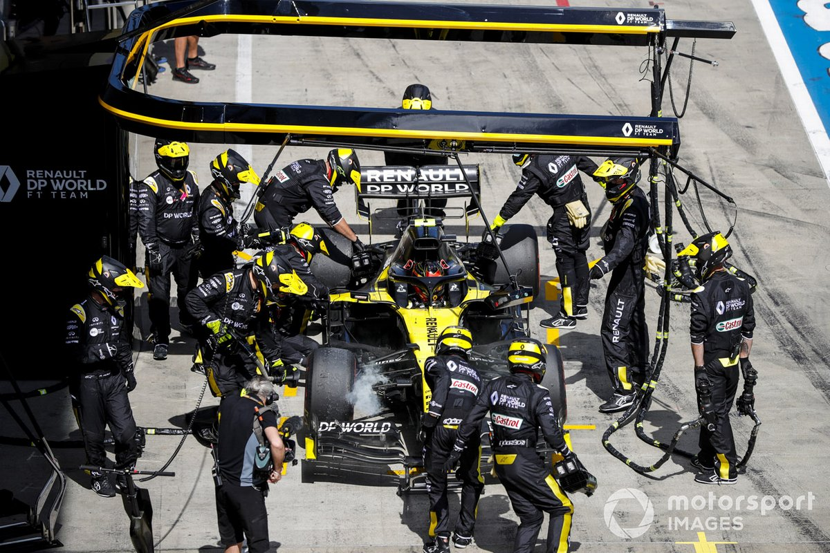 Esteban Ocon, Renault F1 Team R.S.20 retires from the race