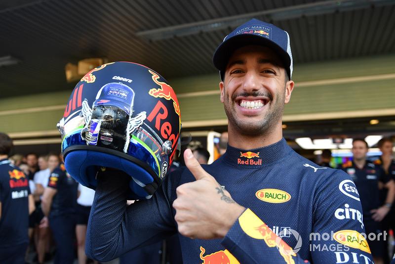 Даніель Ріккардо, Red Bull Racing, з шоломом