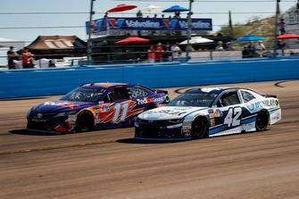 Denny Hamlin, Joe Gibbs Racing, Toyota Camry FedEx Ground, Kyle Larson, Chip Ganassi Racing, Chevrolet Camaro DC Solar
