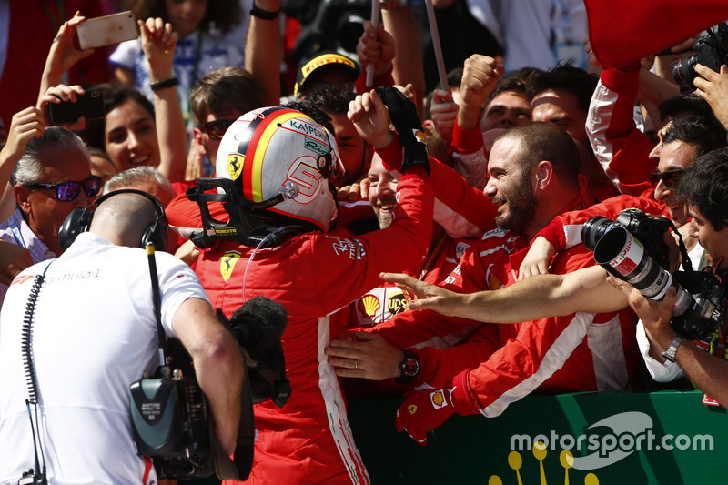 Sebastian Vettel, Ferrari, festeggia nel parco chiuso