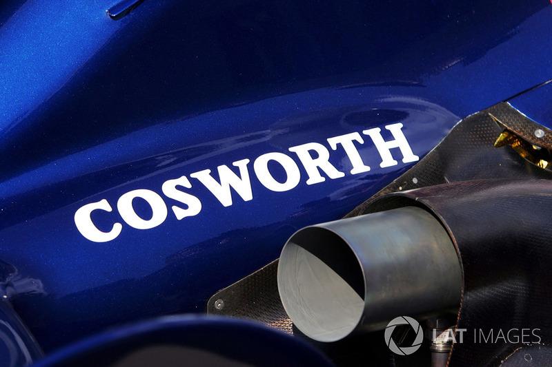 Logo de Cosworth en el Williams FW28