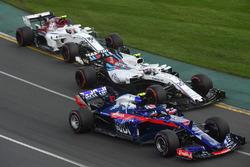 Пьер Гасли, Scuderia Toro Rosso STR13, Сергей Сироткин, Williams FW41, и Шарль Леклер, Alfa Romeo Sauber C37