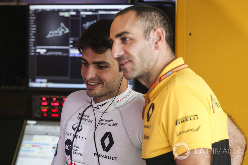 Carlos Sainz Jr., Renault Sport F1 Team, Cyril Abiteboul, Director, Renault Sport F1 Team