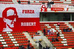 Des fans de Robert Kubica, Williams, avec une bannière