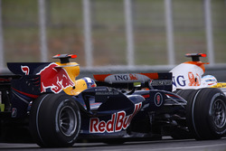 Fernando Alonso, Renault F1 Team R28 leads David Coulthard, Red Bull Racing RB4