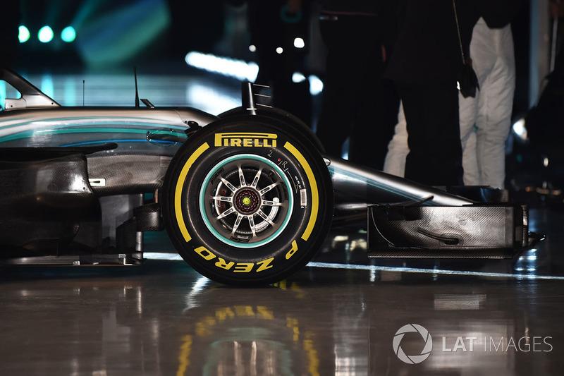 Avant de la Mercedes AMG F1 W09