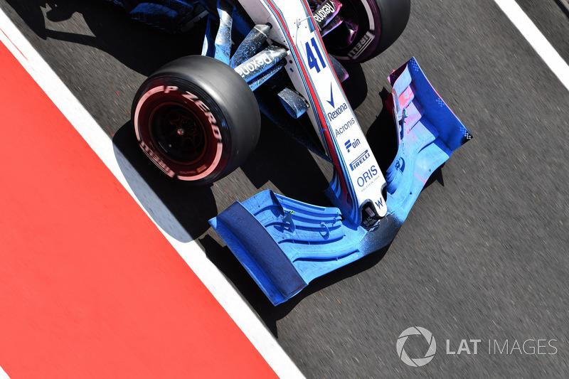 Переднє антикрило Williams FW41з аеродинамічною фарбою