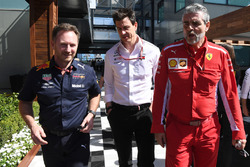 Christian Horner, director del equipo Red Bull Racing, Toto Wolff, director de Motorsport de Mercedes AMG F1 y Maurizio Arrivabene, director del equipo de Ferrari