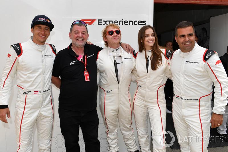Гран При Испании: актер Руперт Гринт и топ-модель Барбара Пэлвин