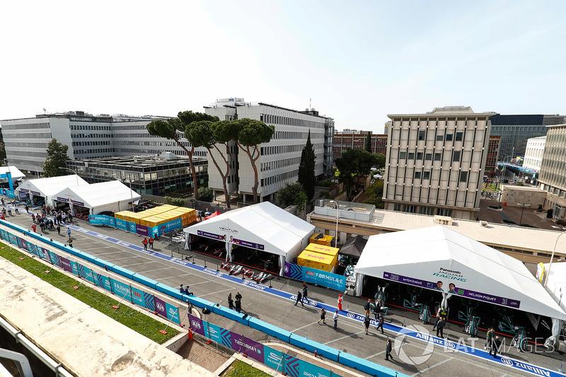 Pit lane in Rome