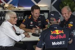 Керівник Red Bull Racing Крістіан Хорнер, Берні Екклстоун, Макс Ферстаппен, Red Bull Racing, консультант Red Bull Гельмут Марко