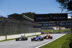 Pascal Wehrlein, Sauber C36, Romain Grosjean, Haas F1 Team VF-17, Daniel Ricciardo, Red Bull Racing RB13