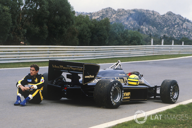 Ayrton Senna, Lotus 97T waits to be collected after breaking down in practice