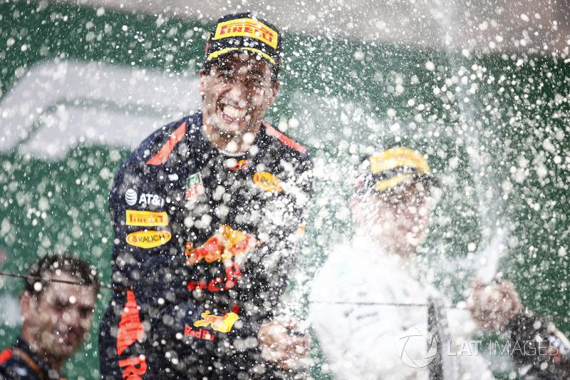 Podium: 1. Daniel Ricciardo, Red Bull Racing, 2. Valtteri Bottas, Mercedes-AMG F1
