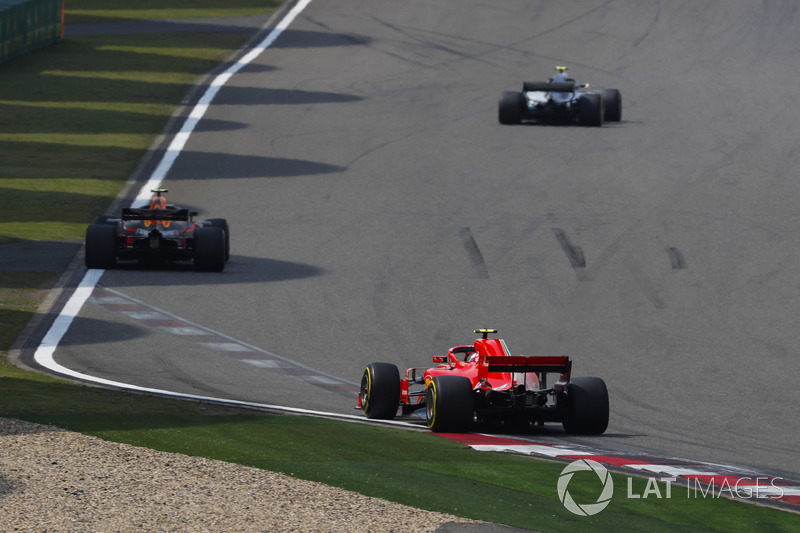 Valtteri Bottas, Mercedes AMG F1 W09, Max Verstappen, Red Bull Racing RB14 Tag Heuer, e Kimi Raikkonen, Ferrari SF71H