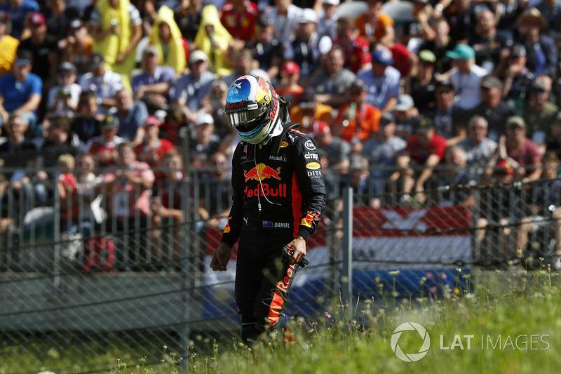 Race retiree Daniel Ricciardo, Red Bull Racing
