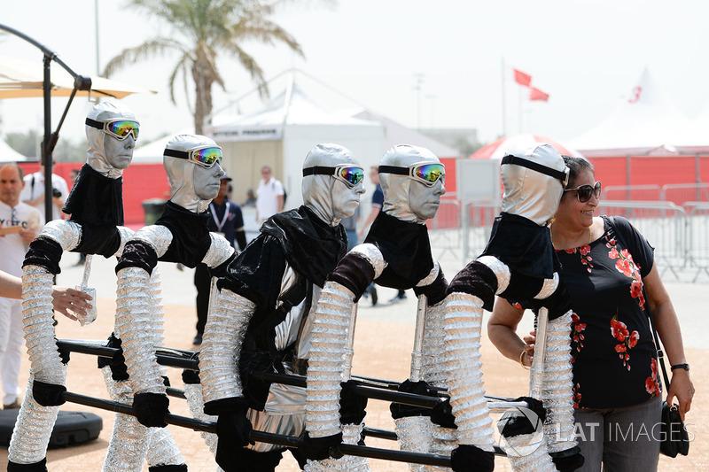 Гран Прі Бахрейну: костюмоване мистецтво