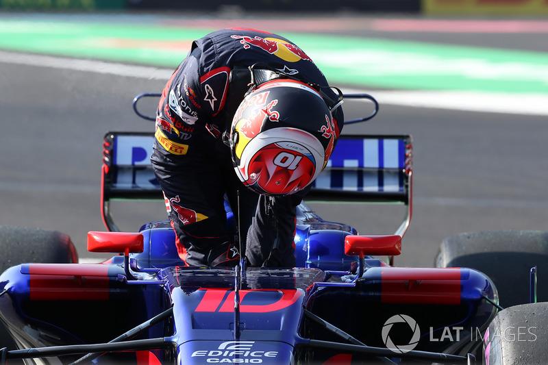 Pierre Gasly, Scuderia Toro Rosso STR12 en la FP3