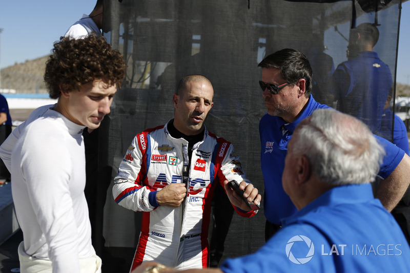 Matheus Leist, A.J. Foyt Enterprises Chevrolet, Tony Kanaan, A.J. Foyt Enterprises Chevrolet