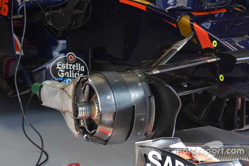 Toro Rosso STR11: Vorderradbremse
