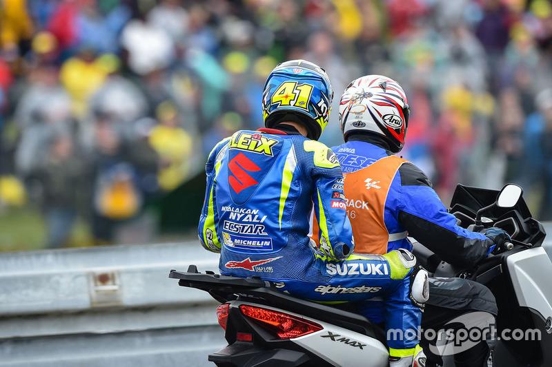 Aleix Espargaro, Team Suzuki MotoGP sullo scooter