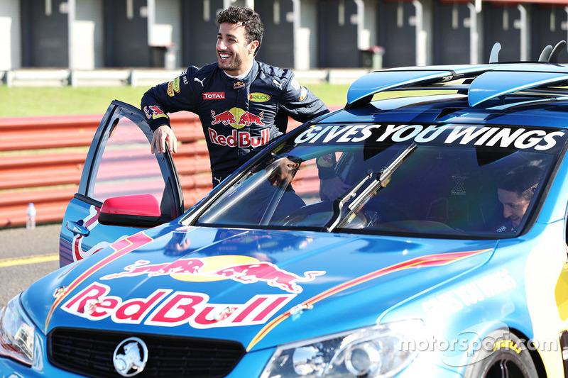 Daniel ricciardo red bull racing drives a v8 supercar for Triple e motors long beach ca