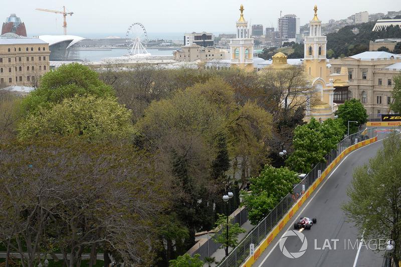Charles Leclerc, Sauber C37 con chispas