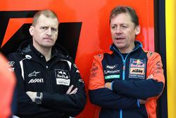 Аки Айо и руководитель команды Red Bull KTM Factory Racing Майк Лейтнер