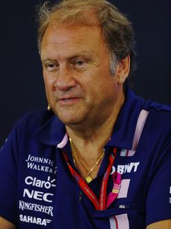 Bob Fernley, Team Principal adjoint Force India, lors de la conférence de presse