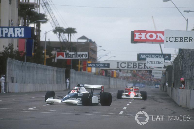Jean Alesi, Tyrrell 018 Ford devant Ayrton Senna, Mclaren MP4/5B Honda