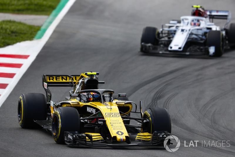 Carlos Sainz Jr., Renault Sport F1 Team R.S. 18, Charles Leclerc, Sauber C37