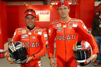 Loris Capirossi, Ducati Team; Sete Gibernau, Ducati Team