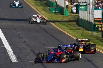 Daniil Kvyat, Toro Rosso STR14, Pierre Gasly, Red Bull Racing RB15 y Antonio Giovinazzi, Alfa Romeo Racing C38